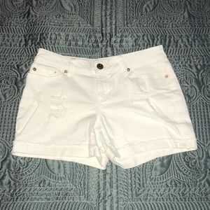 Time and True white stretchy shorts